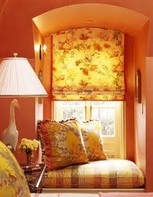 Chambre A Coucher En Jaune Et Rouge Yellow And Red Bedroom
