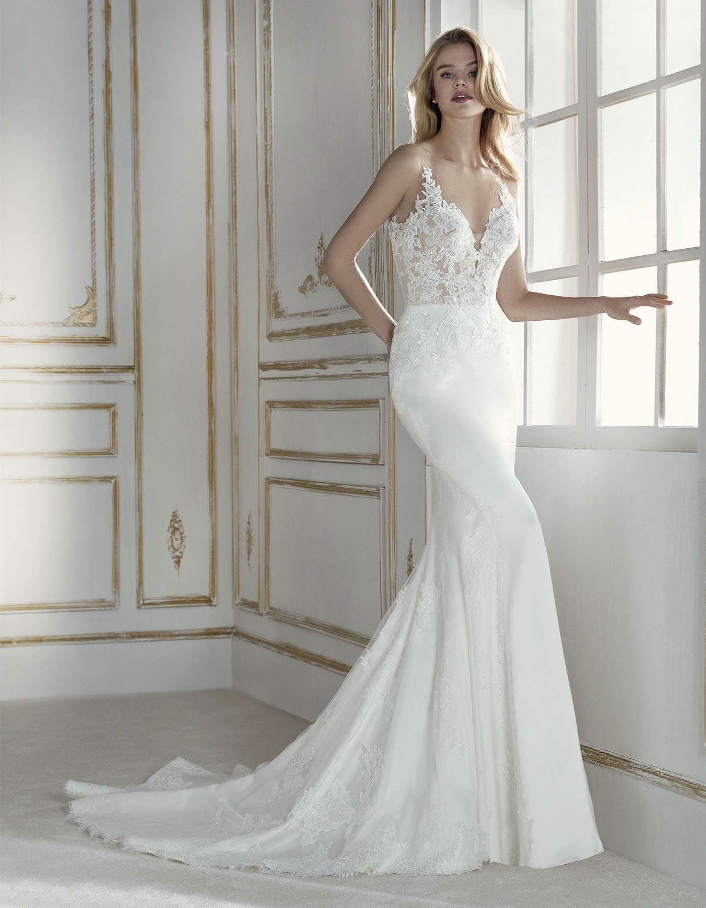 b3572ca33c4f Pandora by La Sposa Sensuality in dress form. A low-waist mermaid dress in  soft satin
