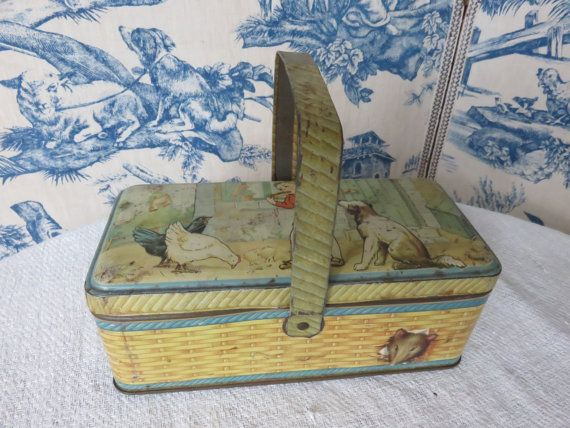Vintage French Child's Lunch Tin 1930s / by SweetVintageDream