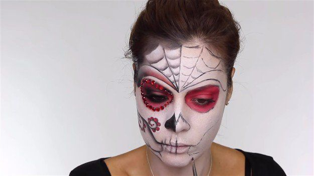 92d1d0e676d Easy Day of the Dead Makeup Tutorial Perfect For Halloween   Makeup ...