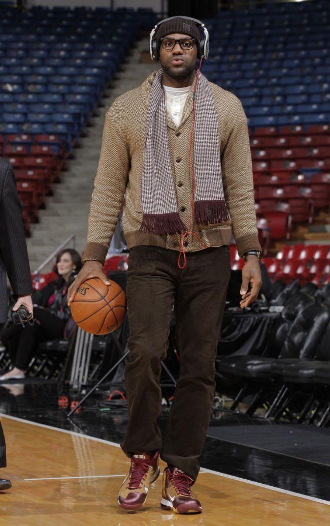 reputable site d420c a8563 LeBron James wearing Nike LeBron 9 Christ the King CTK Away