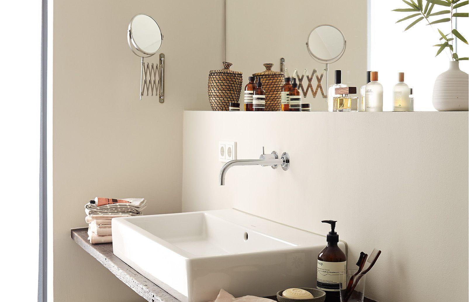 Premium Wandfarbe Braun Hellbeige Alpina Feine Farben Elegante Gelassenheit Feine Farben Wandfarbe Farben Und Tapeten
