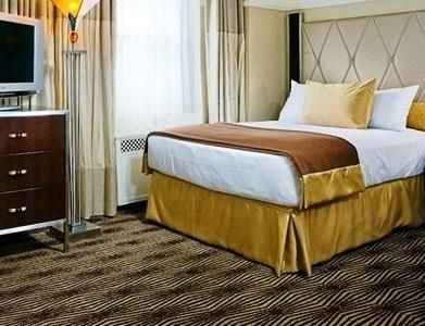Set in Manhattan, the New Yorker Hotel is a five minute walk from Macy's and offers a coffee bar and a fitness centre.  The New Yorker Hot...