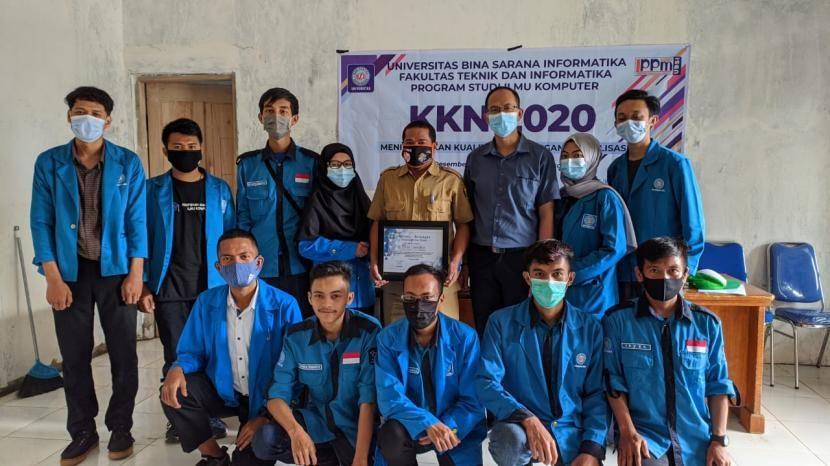 Mahasiswa Kkn Ubsi Sukabumi Beri Pelatihan Digitalisasi Mahasiswa Latihan Kampus Universitas