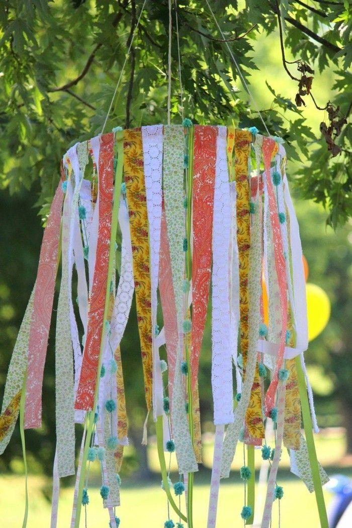 Gartendeko selbstgemacht basteln  gartendeko selbstgemacht leuchter aus farbigen bändern selber ...