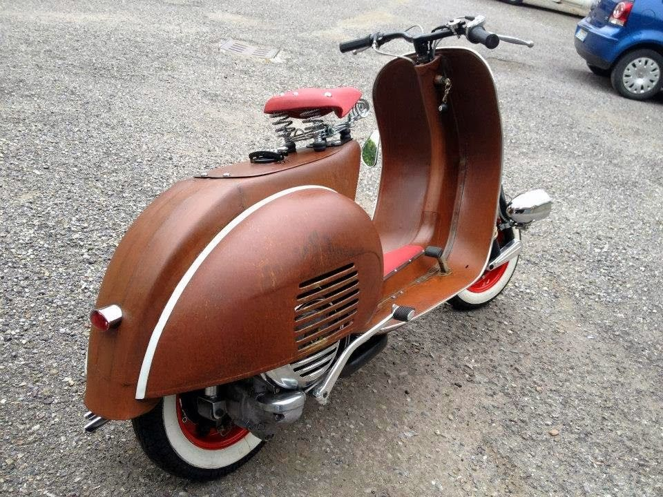 Rocketgarage cafe racer vespa project 50 sfumature di for Vespa cafe racer