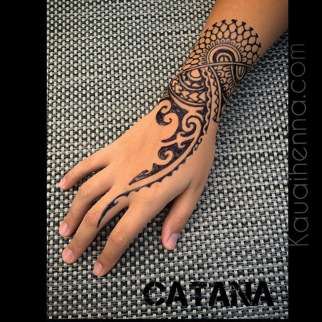 Polynesian Inspired Jagua Bodyart Kauai Hawaii Gardenisland 808 Polynesian Drawing Hand Design Henna Art Jaguatattoo By Catana Polynesian Tattoos Women Tribal Hand Tattoos Tribal Tattoos