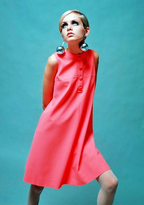Twiggy 1966   vintage 1960s dress   pink 60s sheath dress