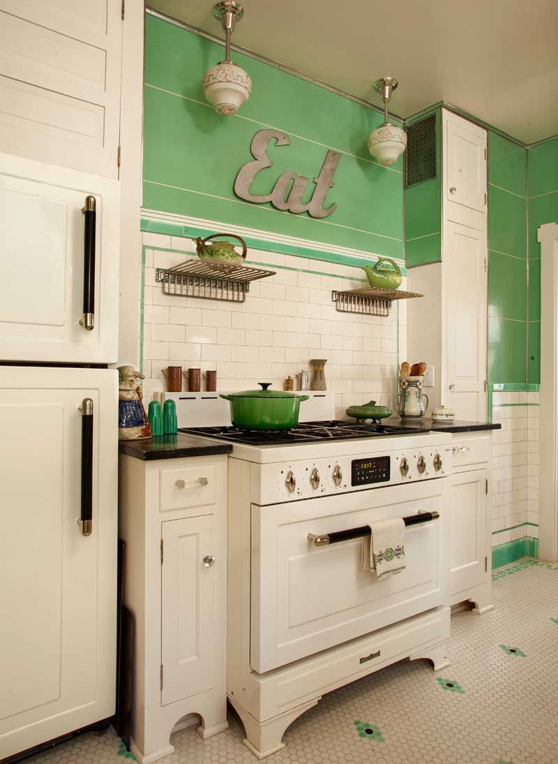 Retro Kitchen Floor Kitchen In Mint Condition Stove Vintage Kitchen And Cabinets