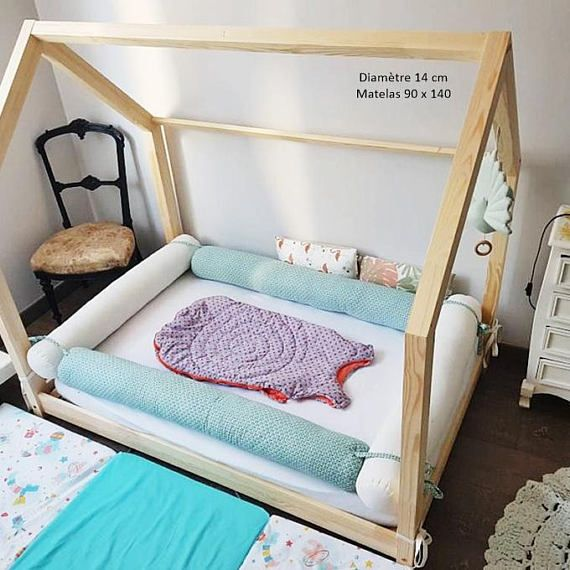 bed mattress to floor cabin bed tipi montessori. Black Bedroom Furniture Sets. Home Design Ideas