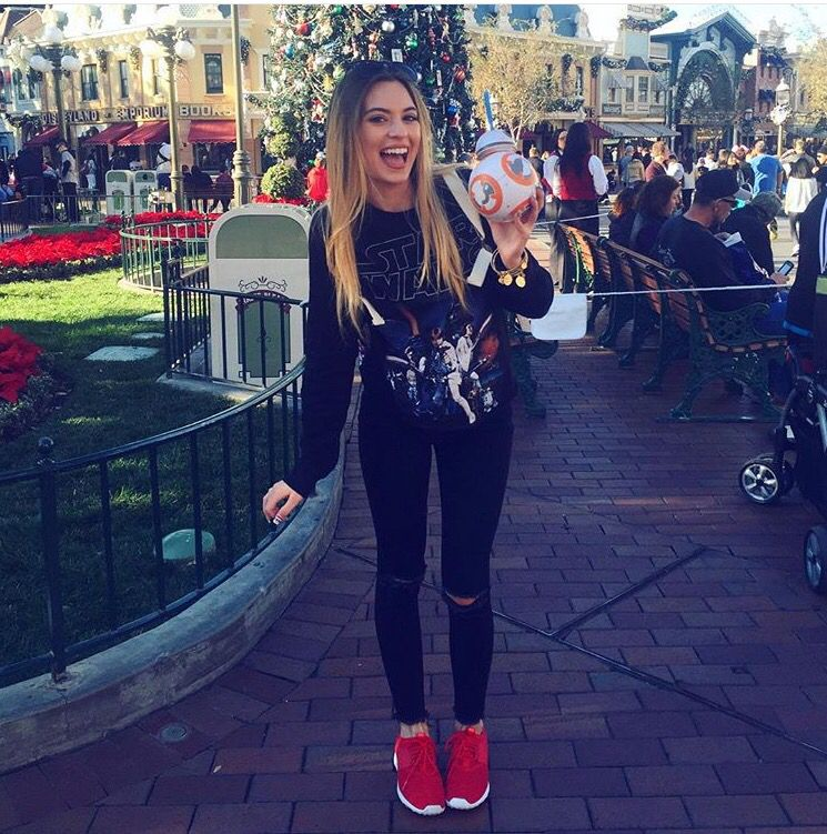 d2ddbf72b2044 Cute outfit for theme parks | O U T F I T S . | Theme park outfits ...