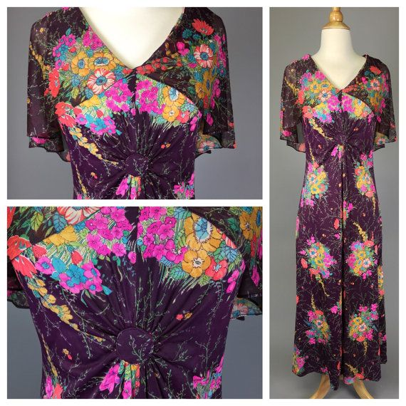 Vintage 70s Floral Maxi Dress w/Capelet // 1970s by RIPandROSE