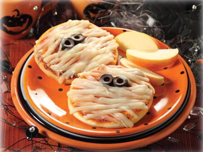 app6 25 Good, Gross, and Ghoulish Halloween Party Food Ideas ...