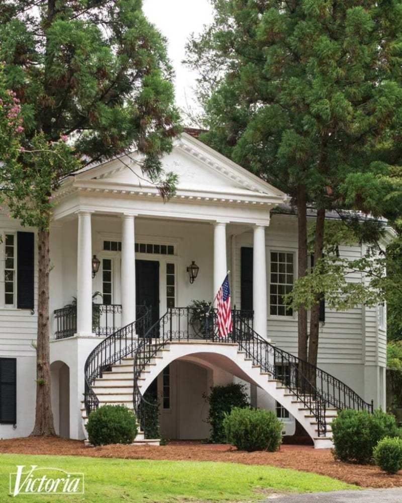 A Lovingly Restored Antebellum Home (With images