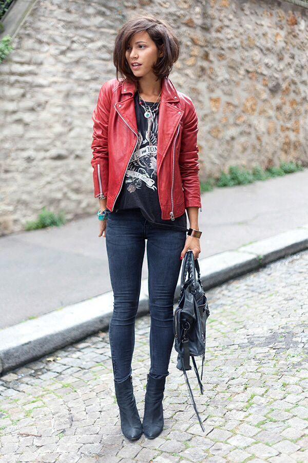 Cute red leather jacket. Rødt skinnjakkeantrekk, Mote  Red leather jacket outfit, Fashion