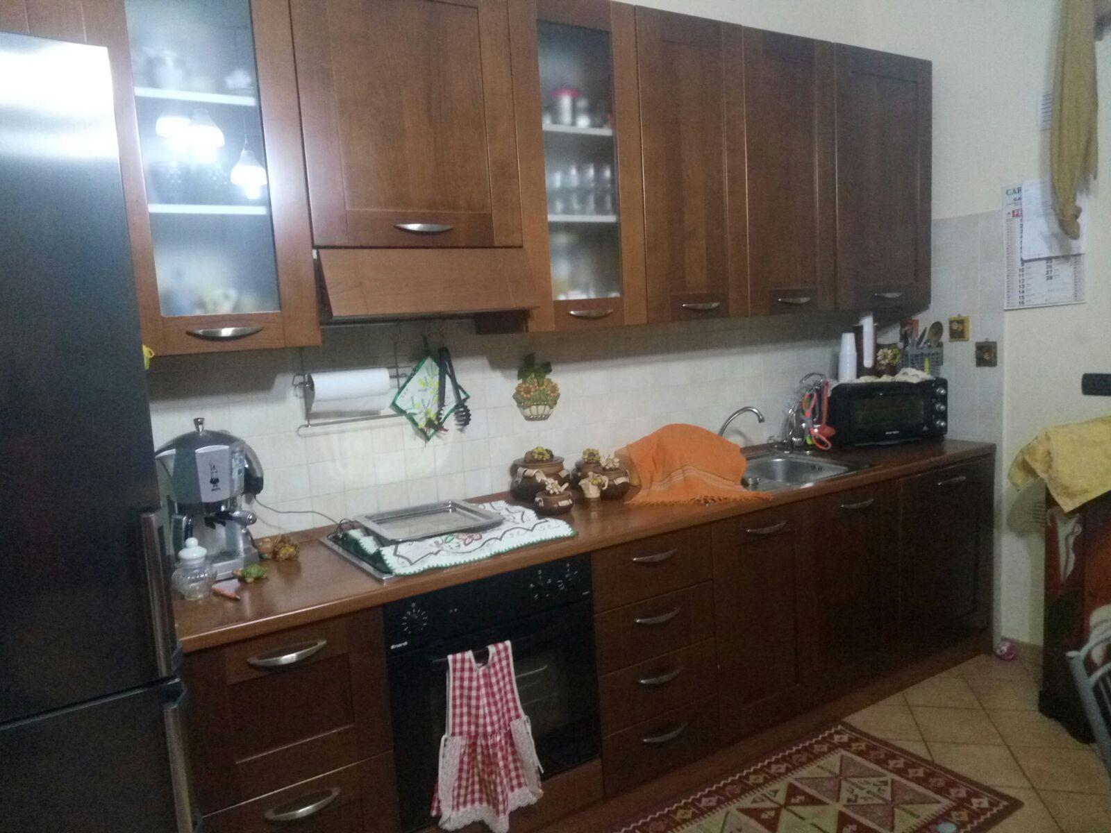 Cucina - Vendo cucina componibile compreso di tavolo e sedie in ...