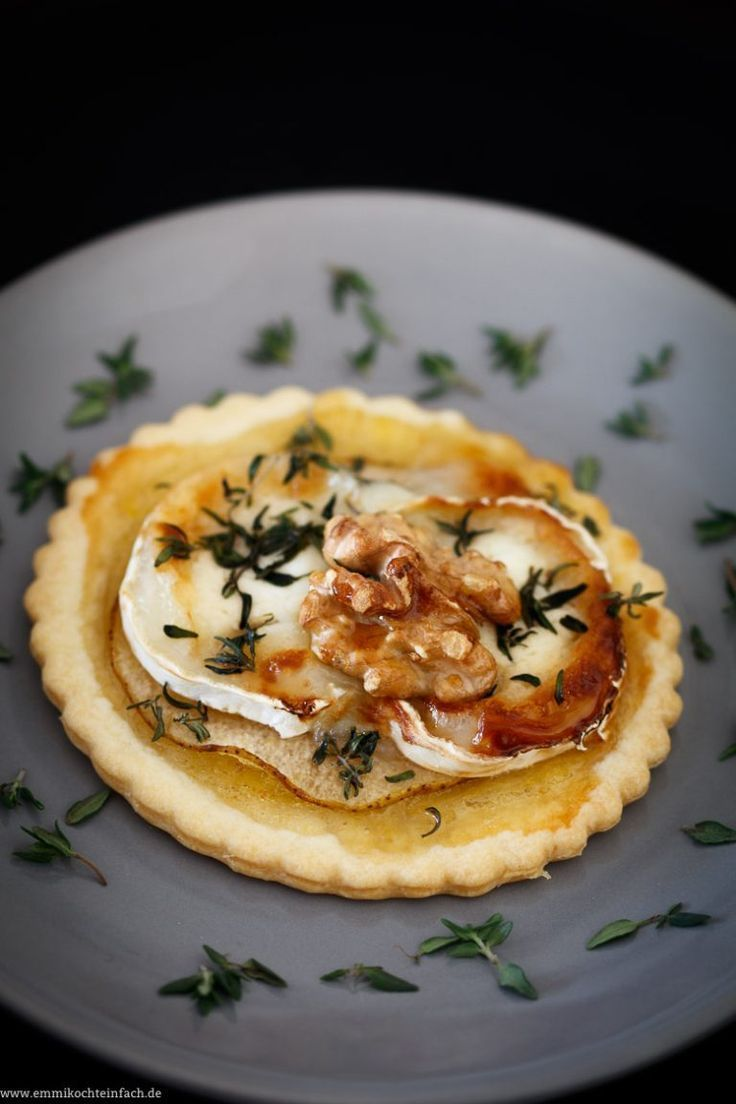 Photo of Goat cheese tartlet with fig mustard, pear, walnut and honey – easy to cook
