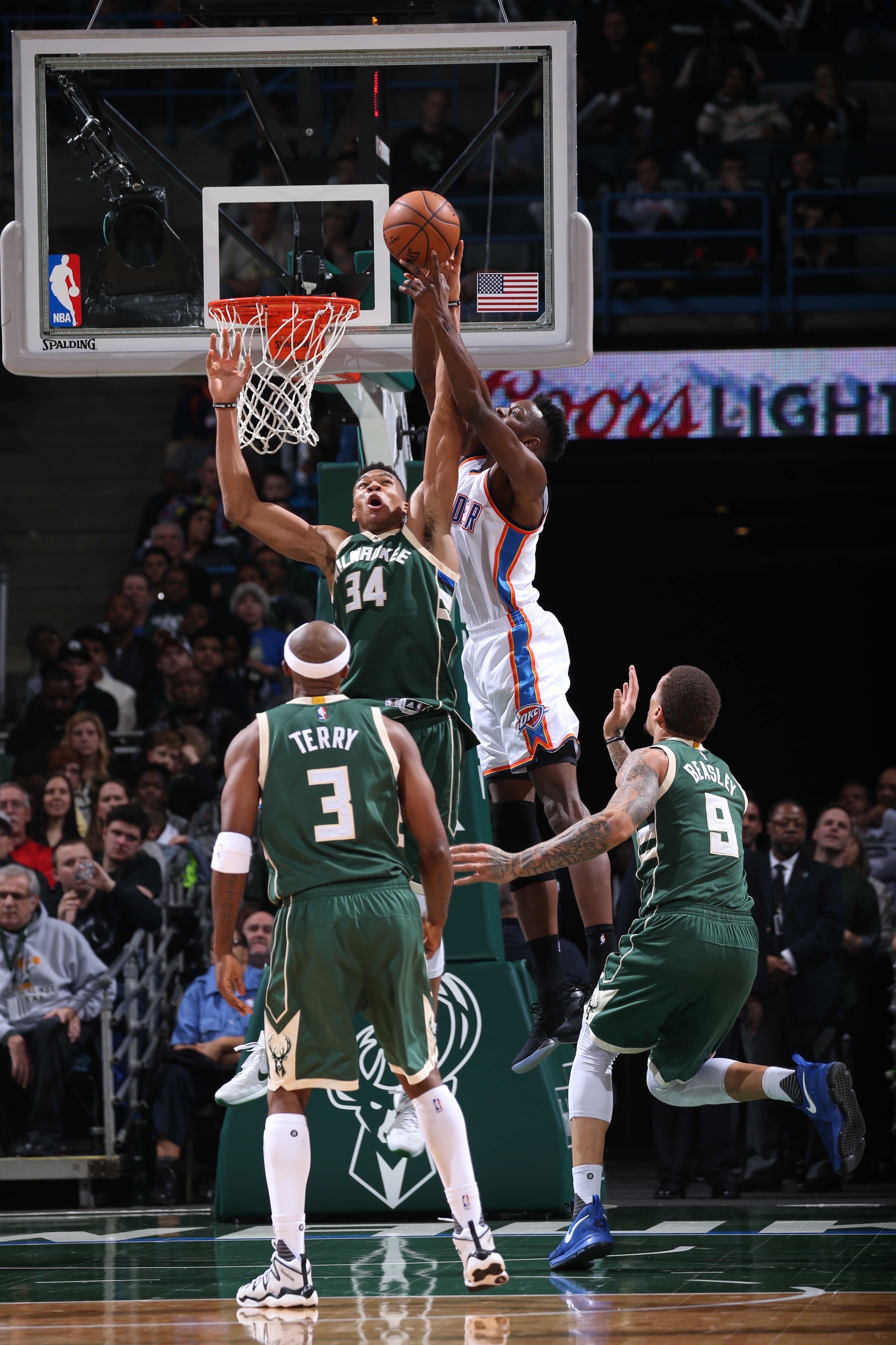 "Giannis Antetokounmpo denying Jerami Grant • ""Don't Try This At Home"""