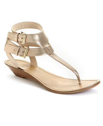 really cute & small heel, whats not to love?!