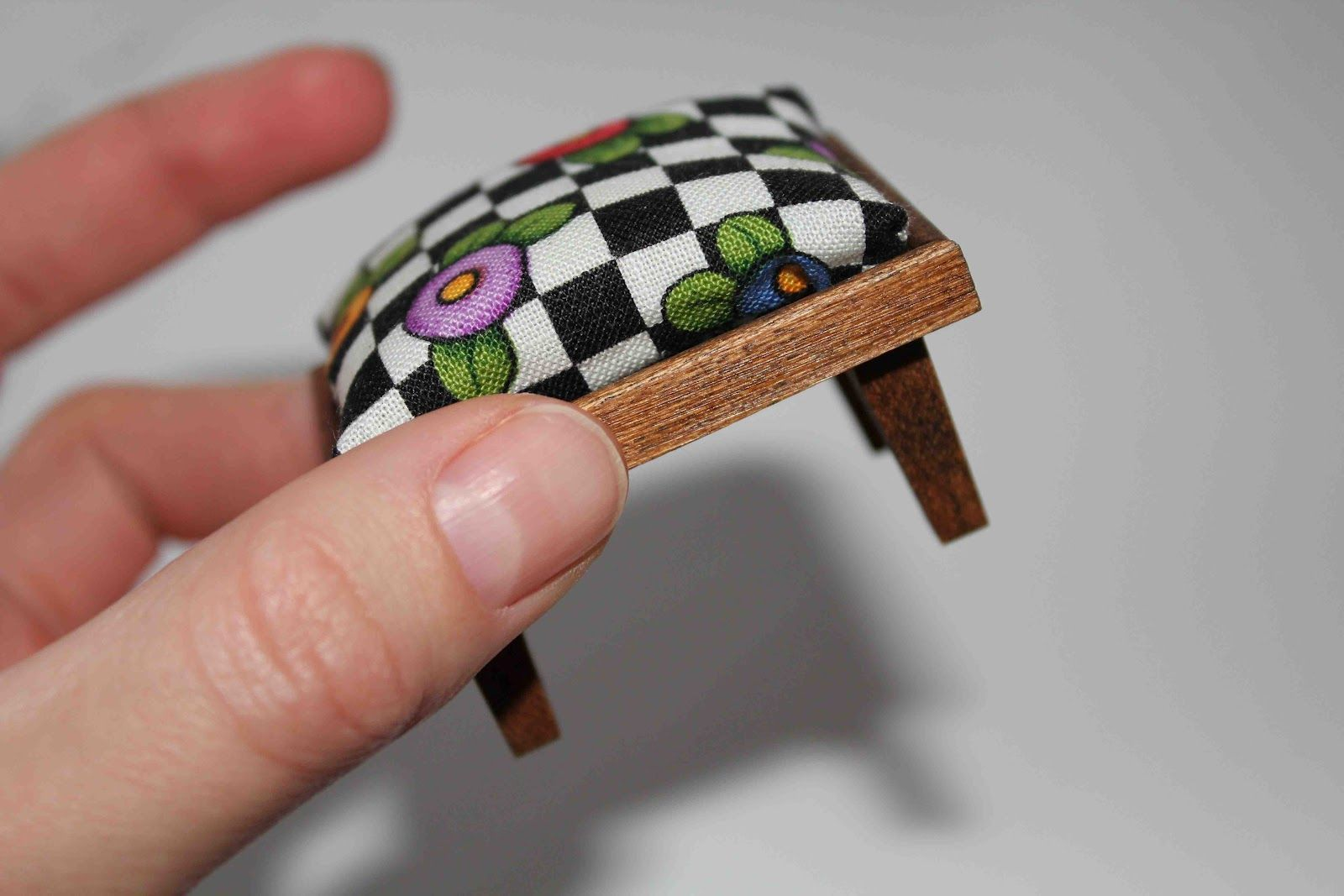 dollhouse furniture - simple DIY ottoman Source: The Adventures of Arcly and Elo