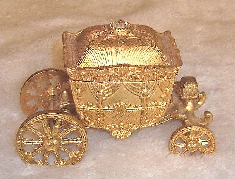 Elegant Gold Tone Metal Rolling Coach Carriage Engagement Wedding