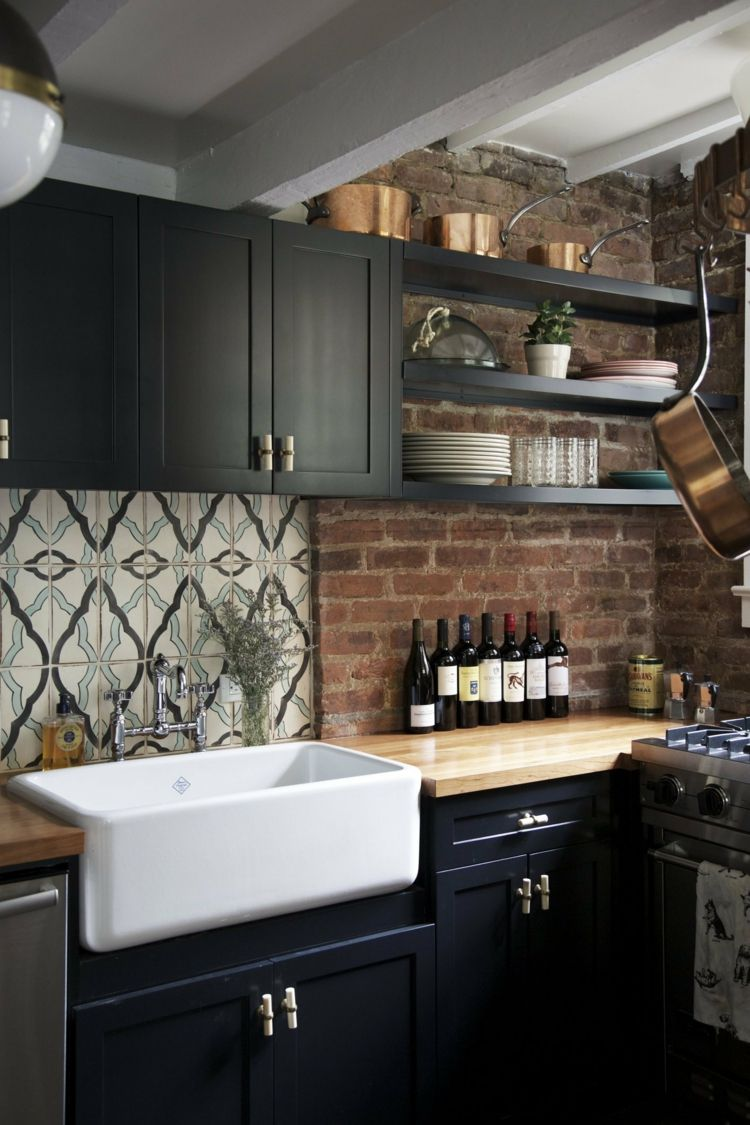 Schwarze Küche weiss-aufsatzspuele-holz-arbeitsplatte-schwarz ...