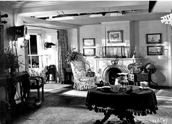 Gull Cottage In The Movie The Ghost And Mrs Muir Cottage Living Rooms Famous Houses Muir
