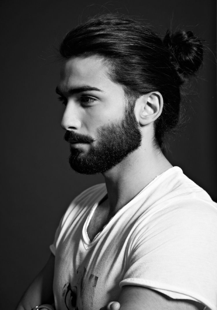 Mens haircuts with beards mannerfrisurentrendslangehaarebartmanbundutt  boyzz