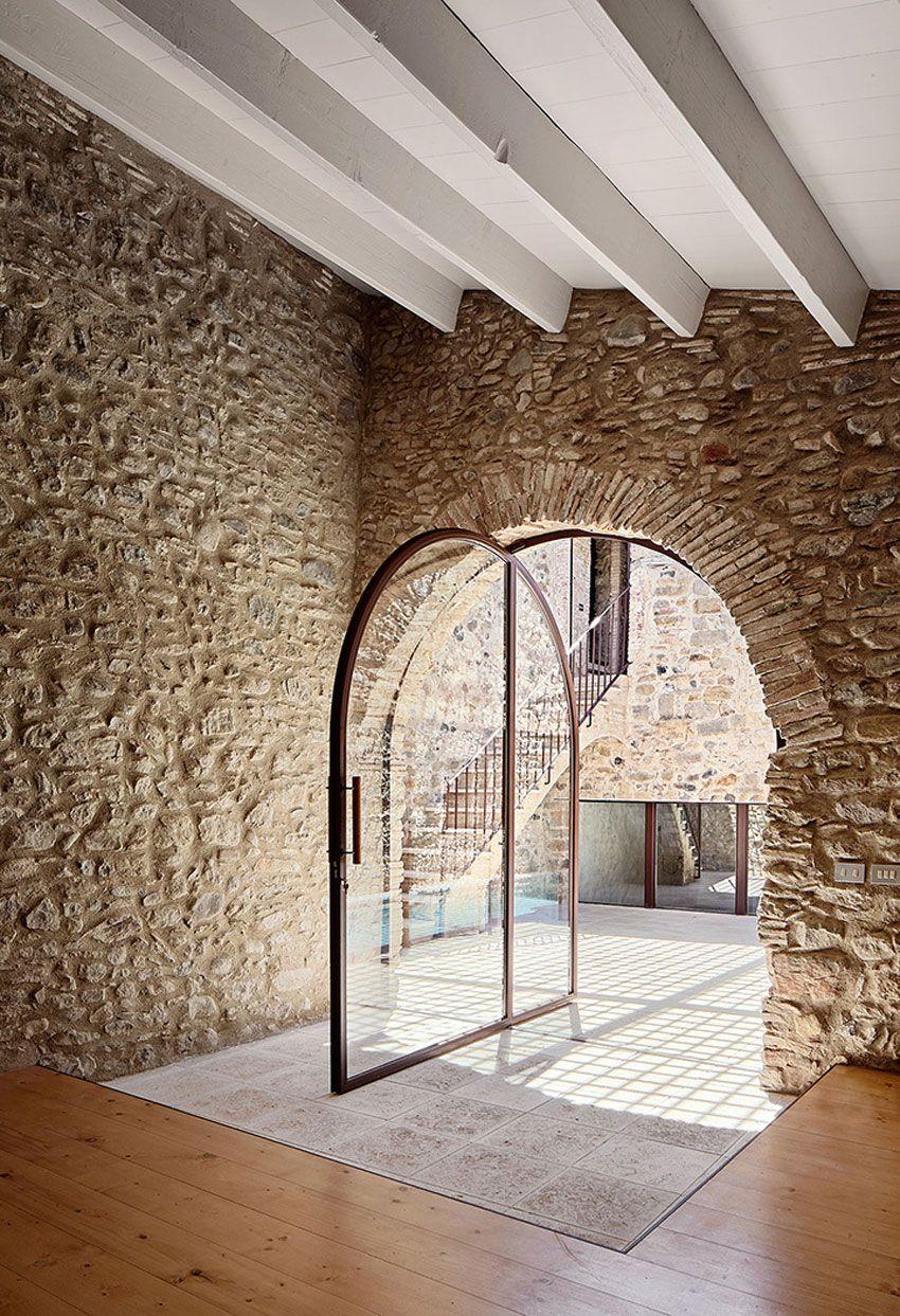 house renovation in girona, spainarquitectura-g | yellowtrace