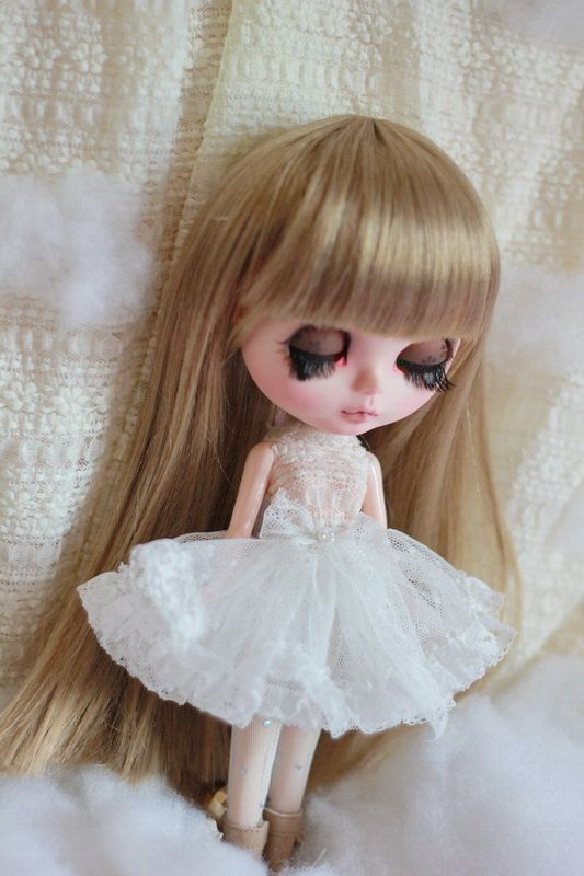 White petticoat for blythe dolls by AngelGardenByChilly on Etsy, $22.00