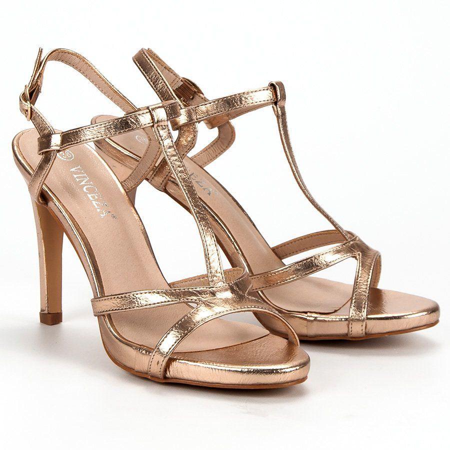 Stylizacja Na Wesele Rozowa Sukienka Granatowa Torebka I Granatowe Buty Ze Zlotymi Dodatkami Bridal Blog Fashion Heels