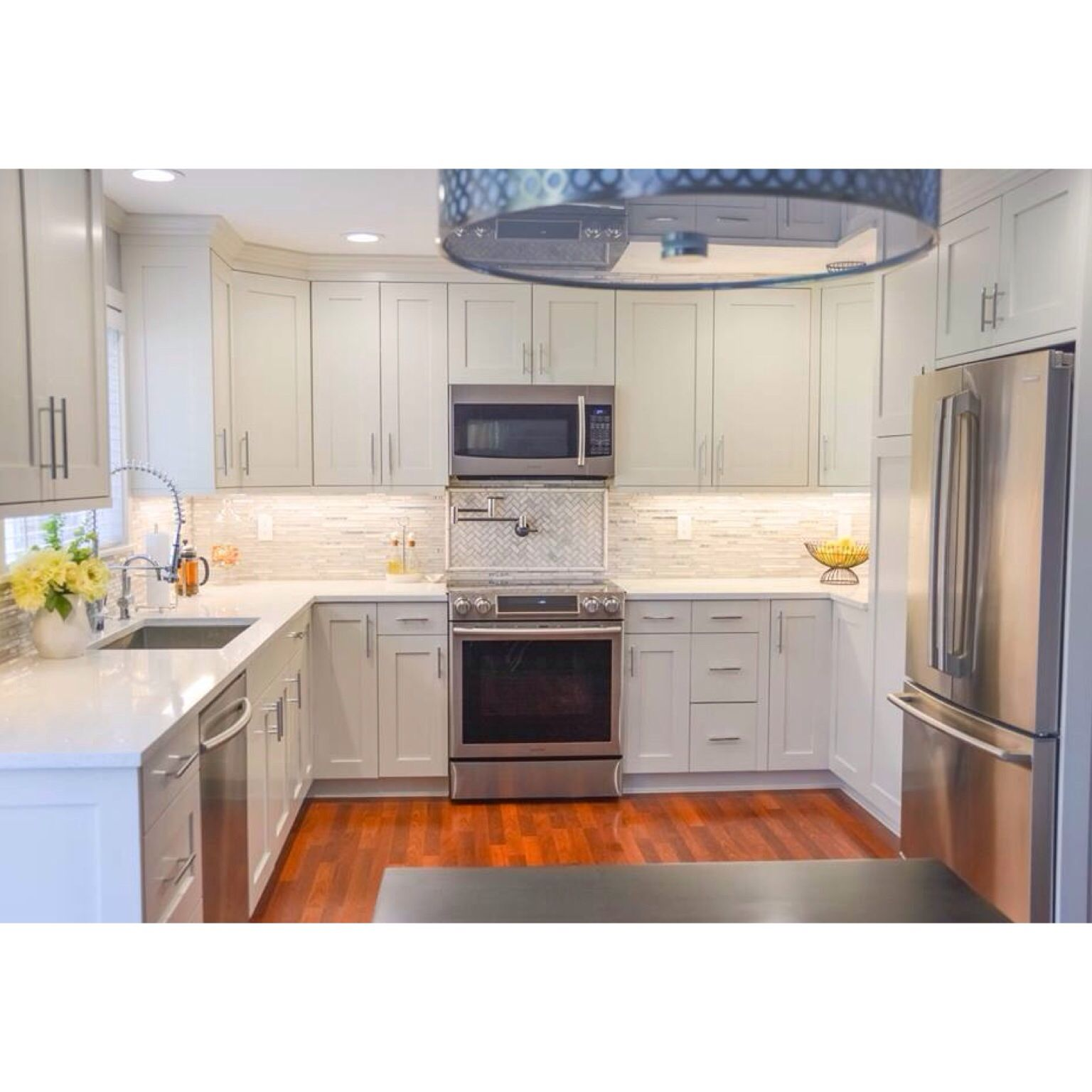 Oc 23 Classic Gray Benjamin Moore Whites Kitchen Cabinets Moore Kitchen Benjamin Moore Kitchen Kitchen Cabinets