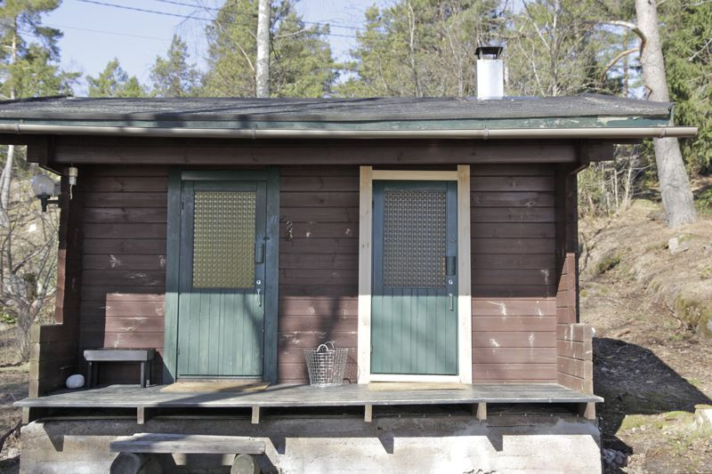 Two bedrooms, tiny kitchen and living room = together 48 square meters plus sauna with a small guest room (first pict...