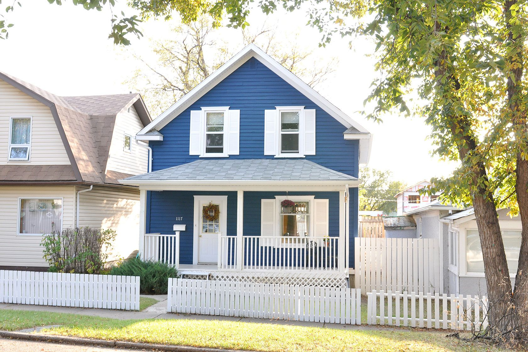 My Visual Listings Not Just A Listing A Showing House Exterior Benjamin Moore Exterior Shutter Colors