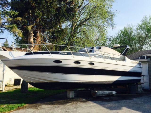 SUNRUNNER ULTRA 302 Cabin Cruiser 30ft | powerboats