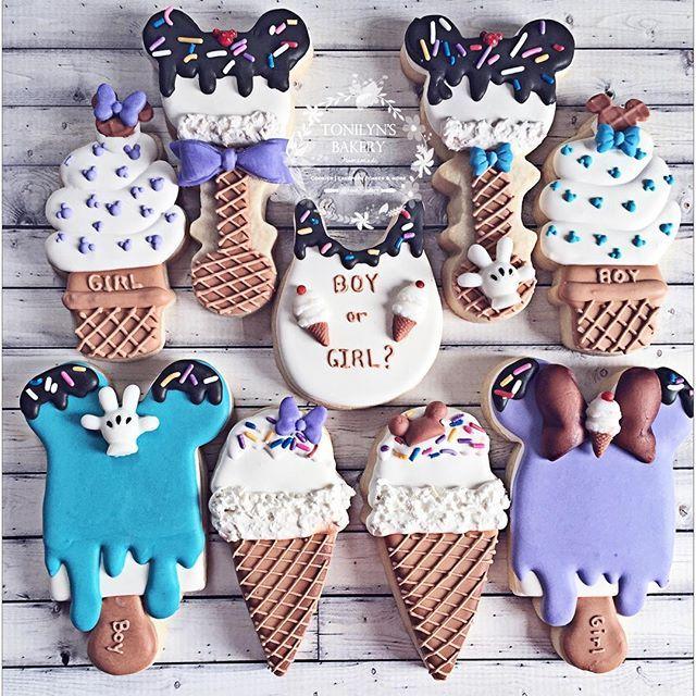 So cute gender reveal Minnie and Mickey icecream theme #edibleart #genderreveal #boyorgirl # #sweetreats #mickey #minnie #disney #icecream #partyideas #customsweets #cookieart #ediblefavors #instasweets #sugarart #tonilynsbakery #cookies #candytabledecor #candybar #njbaker #yummy #sweets #cookiefun #cookiesofinstagram #instacookies #cookier #customcookies for @lizdesignandmore