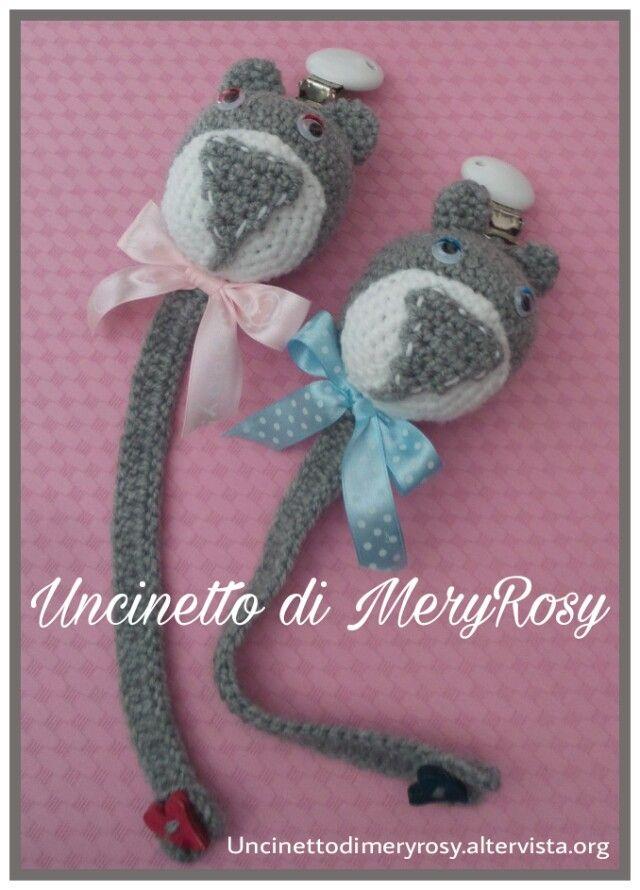 Orsetti porta ciuccio Teddy port pacifier #orsetto #orso #orsetti #portaciuccio #teddy #teddybear #portpacifier #pacifier #amigurumi #crocheted #crochet #handmade #fattoamano #diy #uncinetto #bimba #baby #bebè #bebe #bimbo