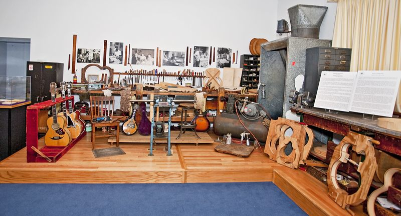 Vintage Luthier Bench Google Search Guitar Building Luthier Vintage