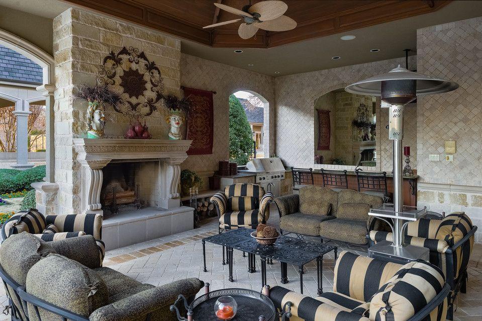Texas Estate with European Style Heads to Auction - WSJ