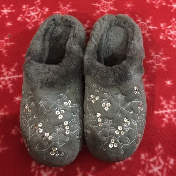 Slip on hard sole Grey fuzzy slippers Large 9-10 Avon Slip on hard sole Grey fuzzy slippers size Large 9-10.  Embroidered vines with leaves.  Silver sequin accents.  Worn once.  Near perfect condition. Avon Shoes Slippers