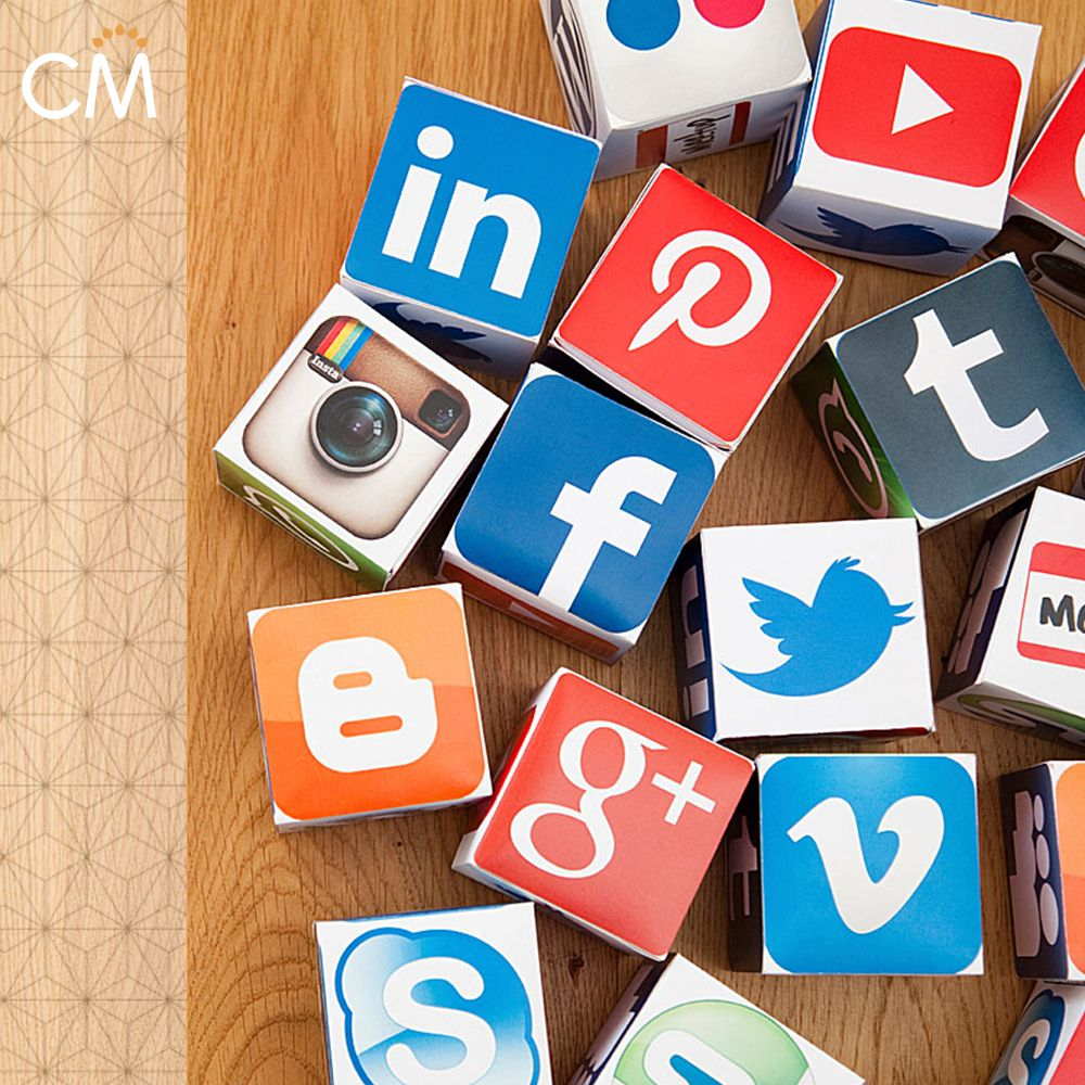 Вирусные открытки в социальных сетях