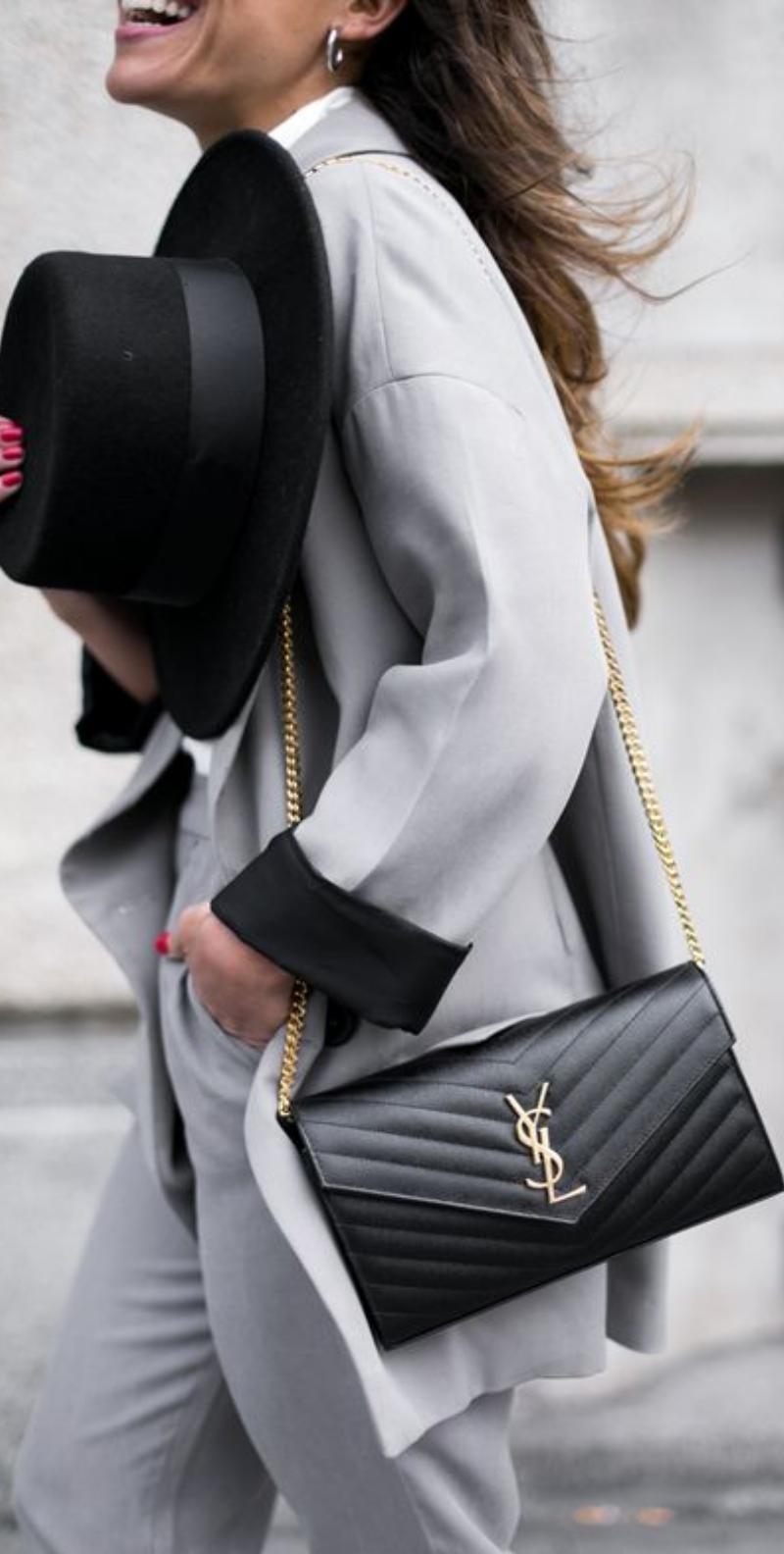 Yves Saint Laurent Chic Saint Laurent Handbags Bags Shoulder Bag