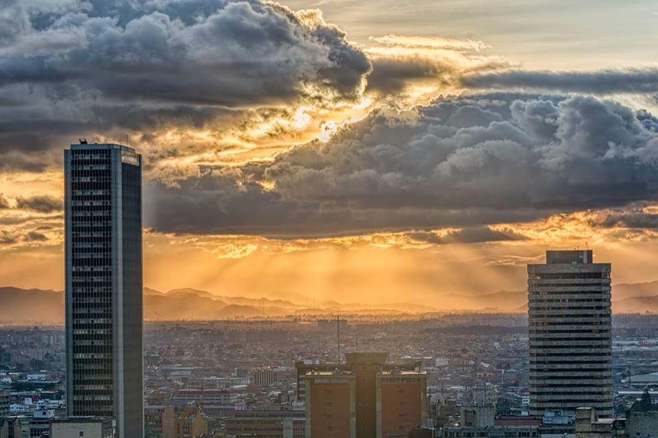 Bogotá, D.C. Panóramica desde el centro internacional.