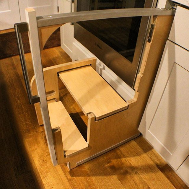 Does Your Step Stool Have A Handrail Ours Does
