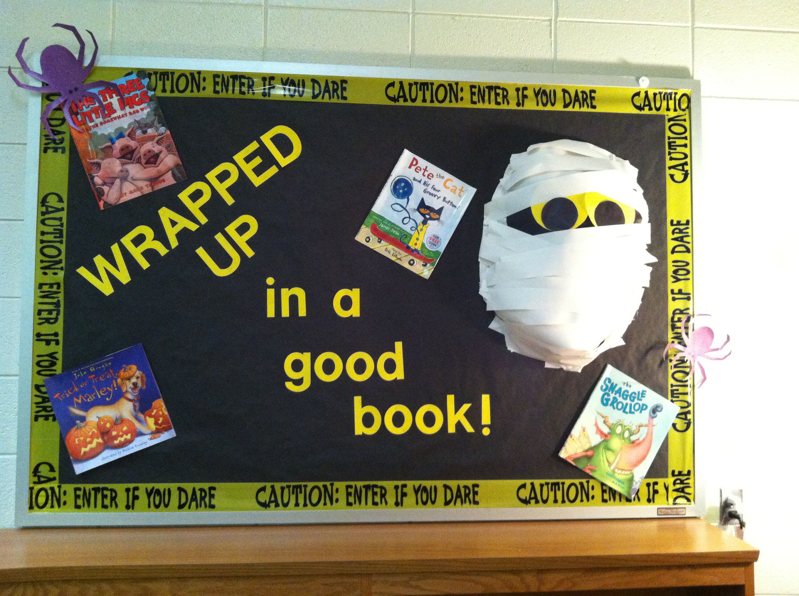 Halloween Library Bulletin Board Idea