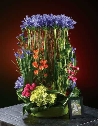 Created by Kathy Mustard for the September/October 2013 issue of Canadian Florist magazine.