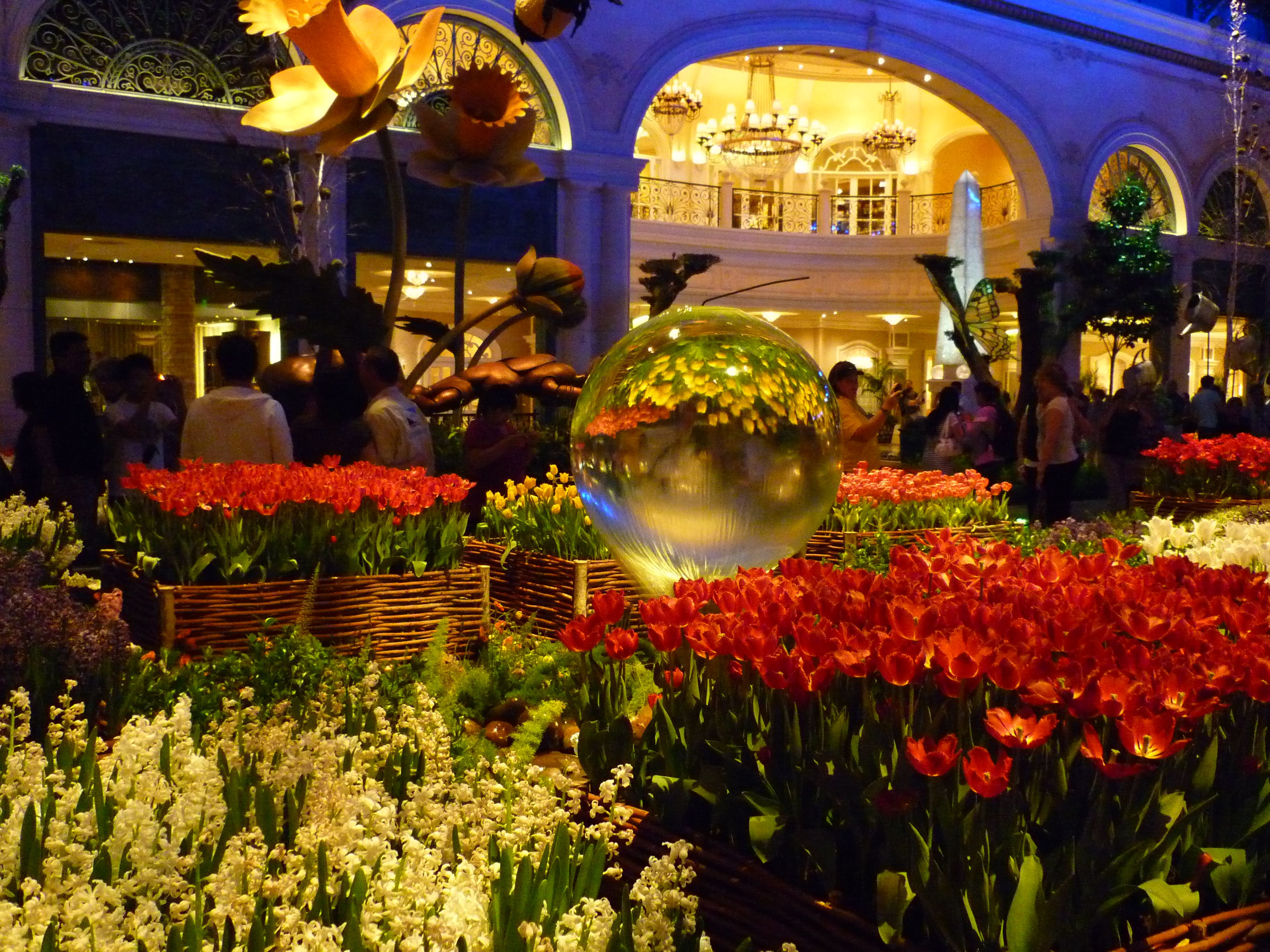 Scene from the Bellagio Atrium | $in City | Pinterest | Vegas, Viva ...