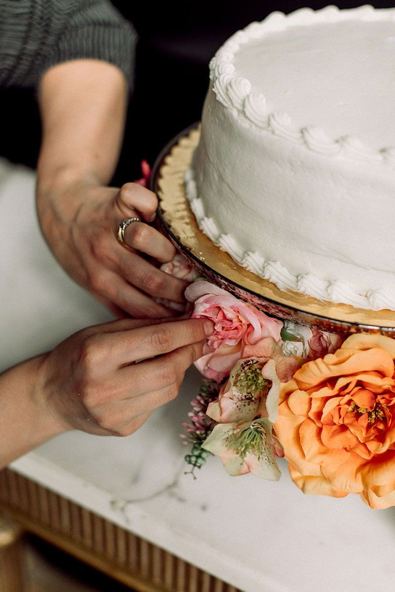 Wedding Cake Hack in 2020   Cake hacks, Wedding sheet ...