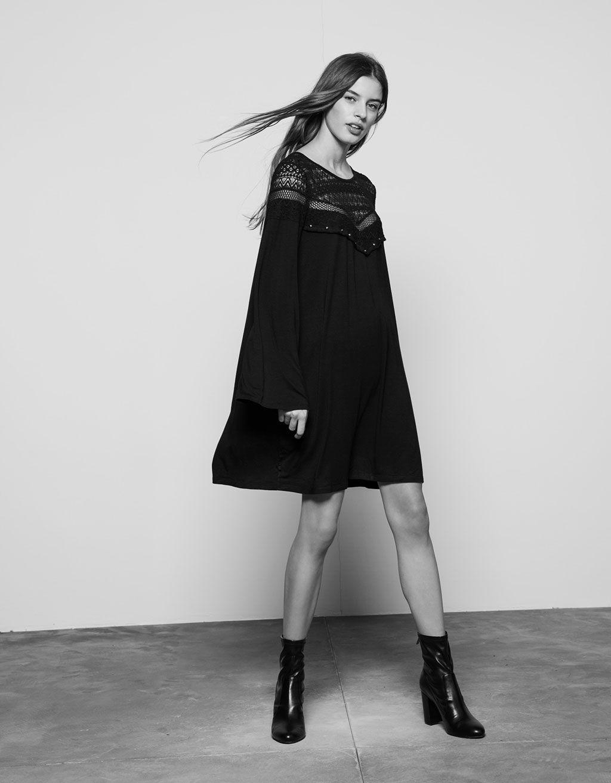 Kleid mit Spitze und Metallverzierungen im Brustbereich - Kleider ...