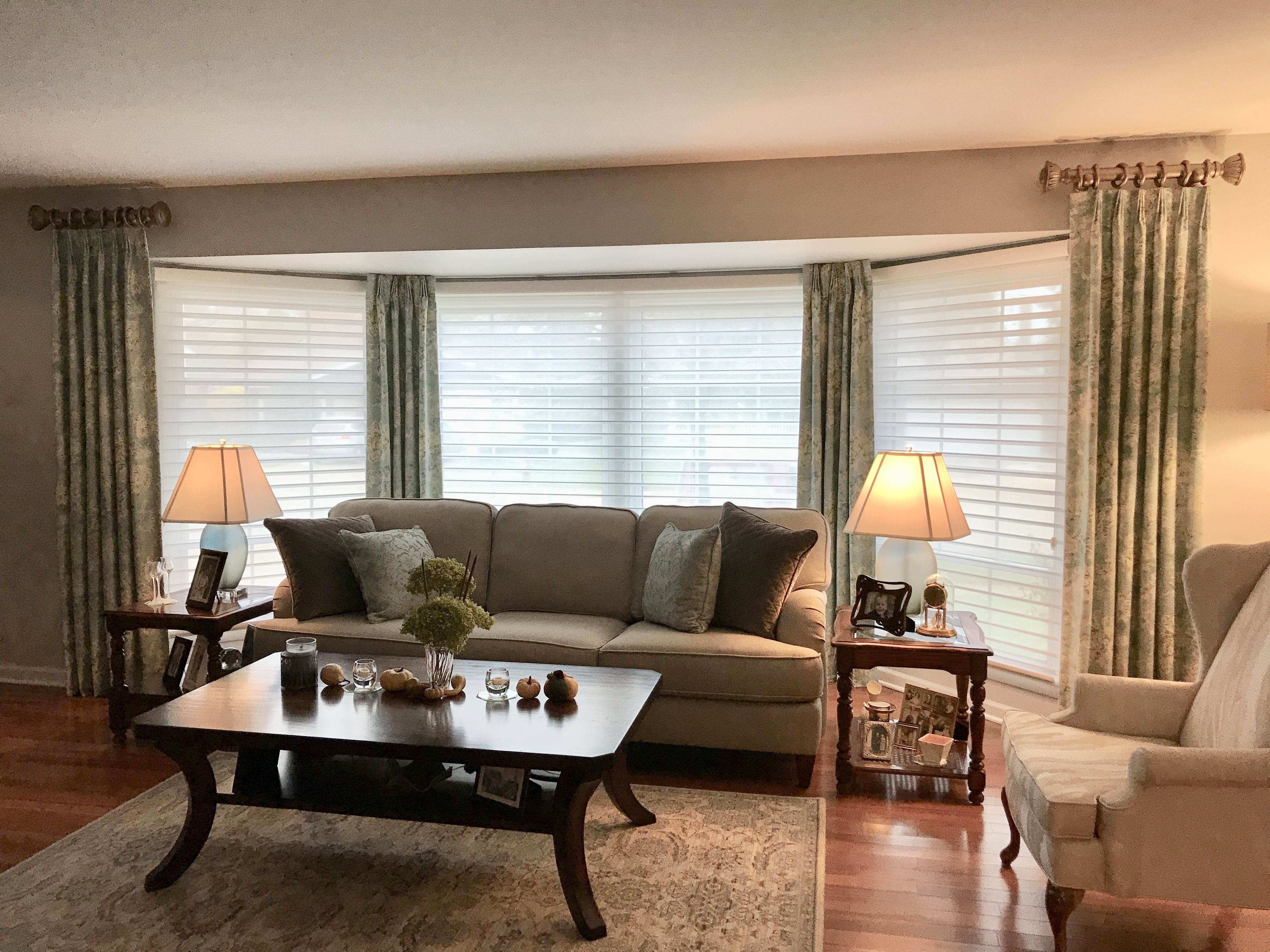 10+ Most Popular Window Treatments For A Bay Window In Living Room